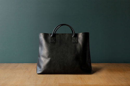 TRVR DAY LEATHER TOTE_BLACK