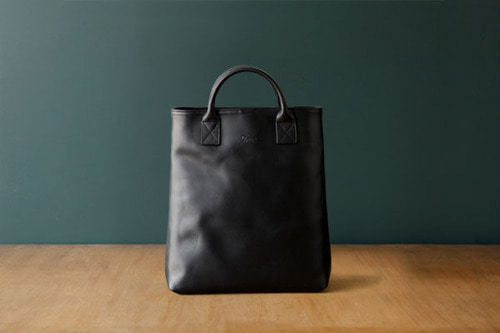 DAY LEATHER TOTE M - BLACK