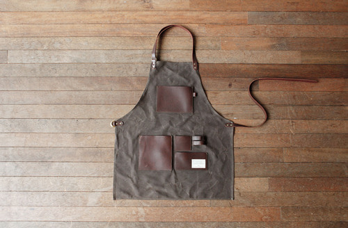 GENTLEMAN'S APRON BROWN